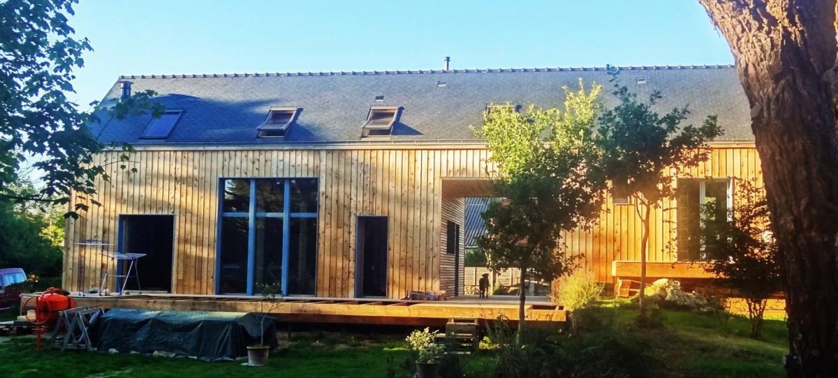 Maison cologique en bottes de paille tyerra architectes - Maison ecologique architecte vetsche ...