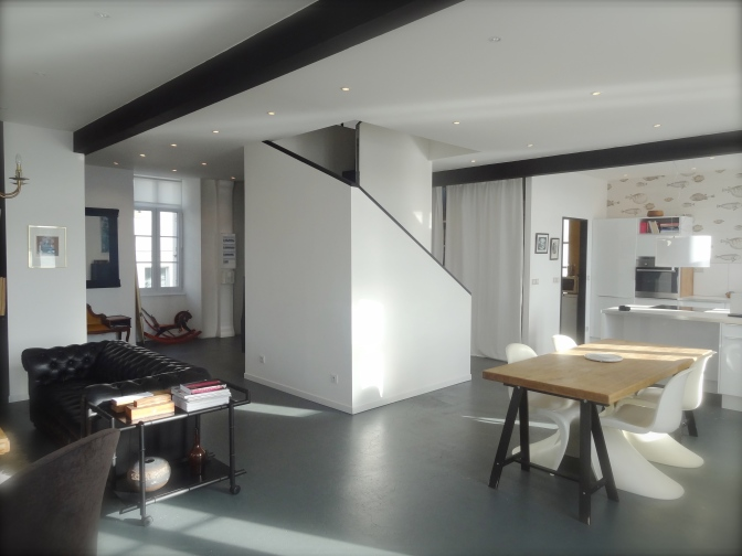 Un appartement design sur le port d'Audierne